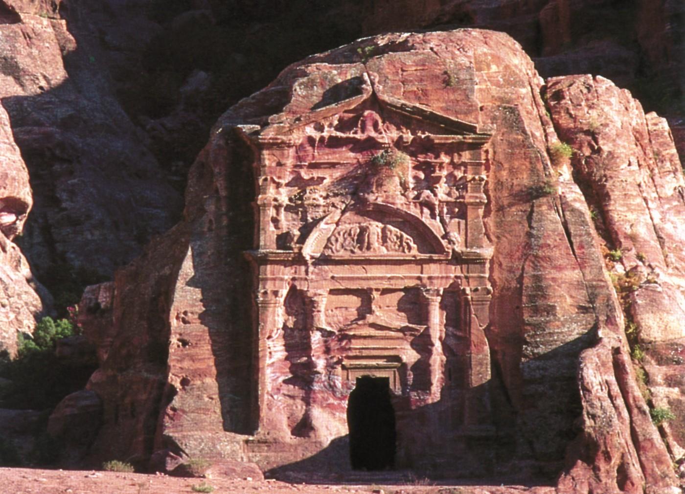 Sextius-Florentinus-Tomb